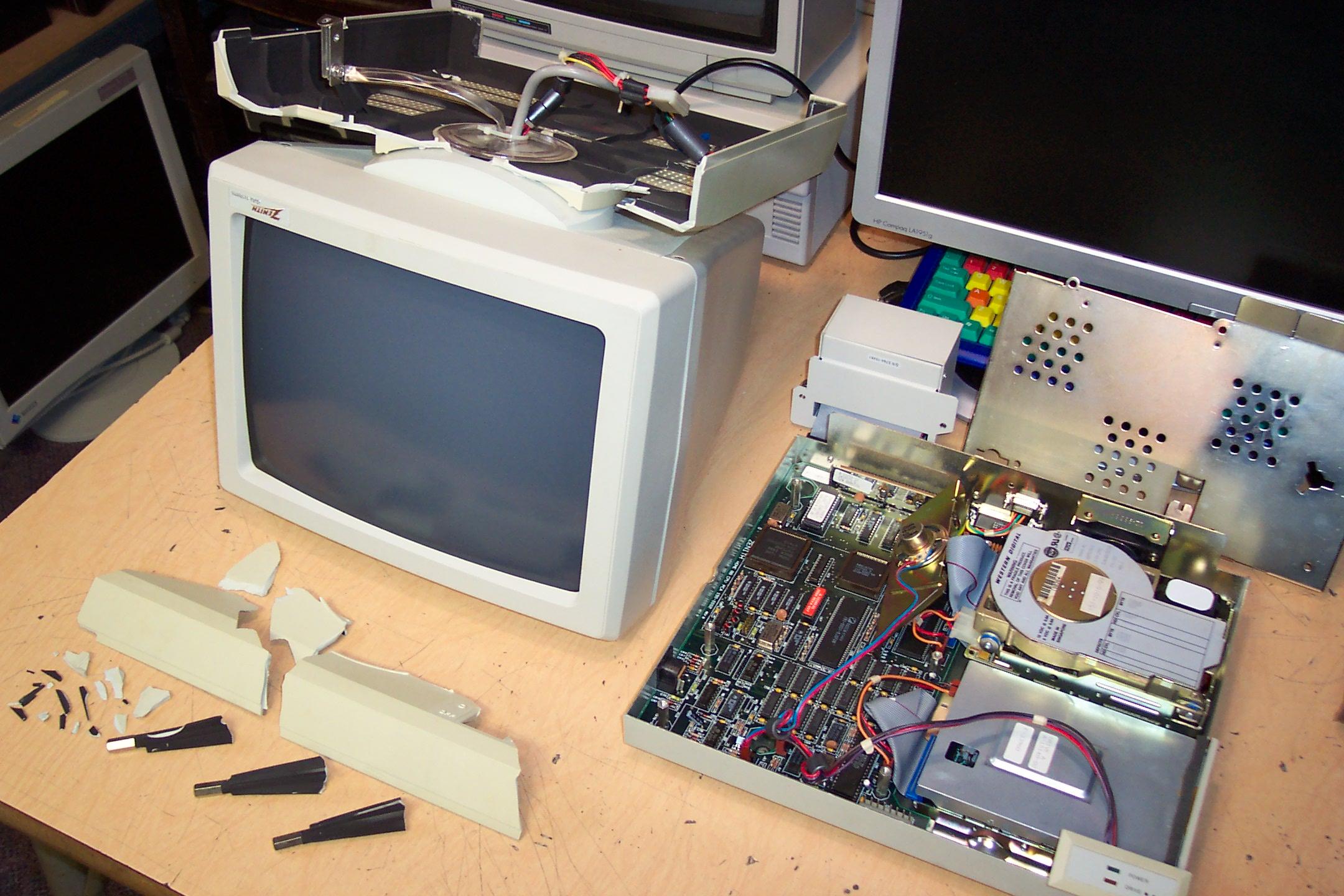 Zenith eaZy PC, not-so-easy repair